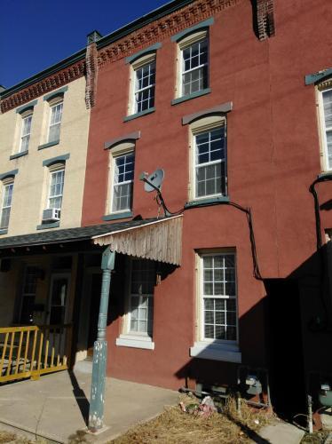 119 W Elm Street Photo 1