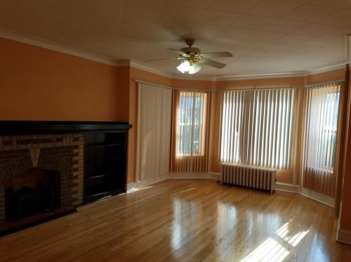 5645 N Artesian Avenue #2 Photo 1