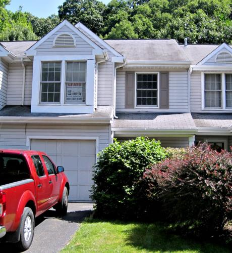273 Commons Drive Photo 1
