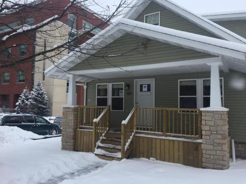 813 S Brooks Street Photo 1