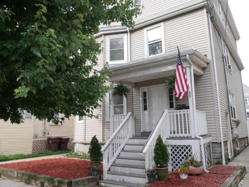 89 Kinsman Street #3 Photo 1