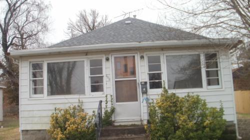 403 W Sycamore Street Photo 1