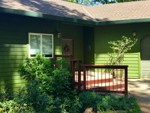 Cedar Hill Way Photo 1
