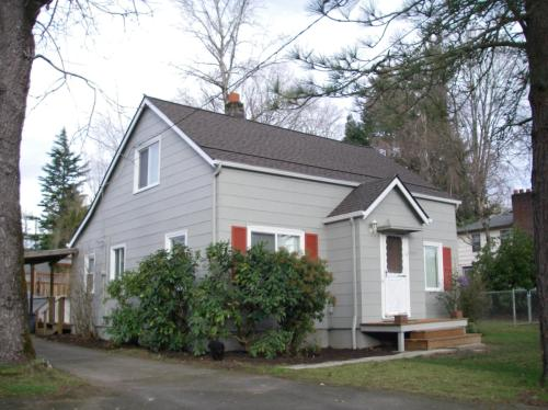 5131 SW Vermont Street Photo 1