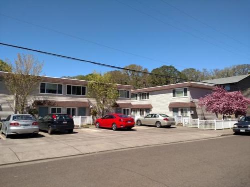 840 SW Grove Street Photo 1