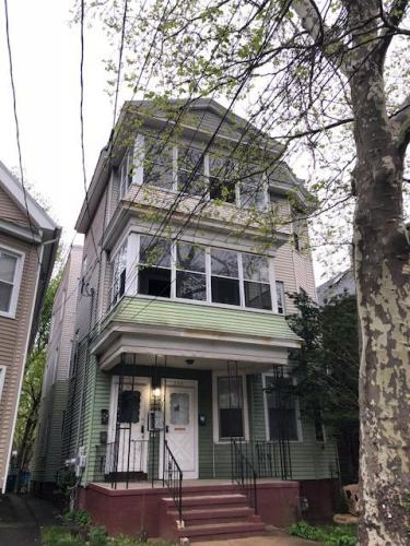 255 W Ivy Street Photo 1