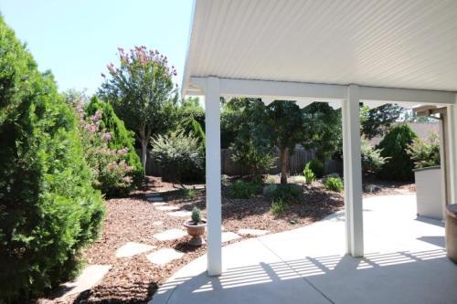 14 Garden Path Court Photo 1