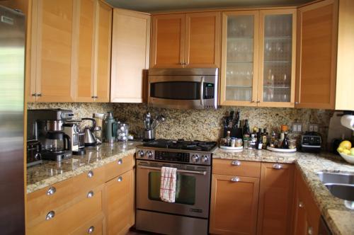 9044 Phyllis Avenue Photo 1