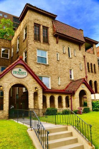 5625 Hobart Street Photo 1