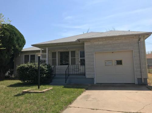 1426 NW Longview Avenue Photo 1