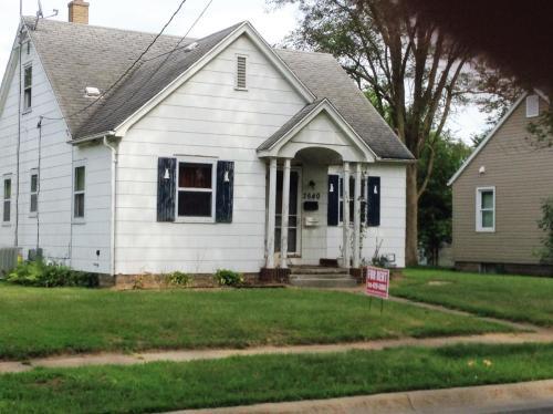 2640 E 4th Street Photo 1