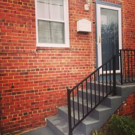 Burns Street SE Photo 1