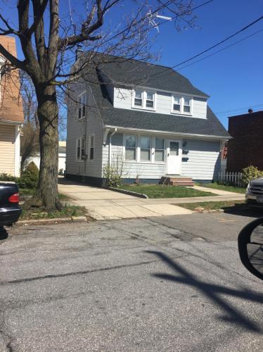 11 Broad Street Photo 1