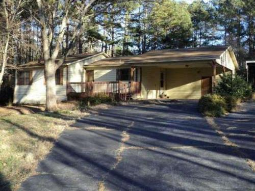 3325 N Hampton Place SW Photo 1