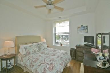 1707 N Crilly Court Photo 1
