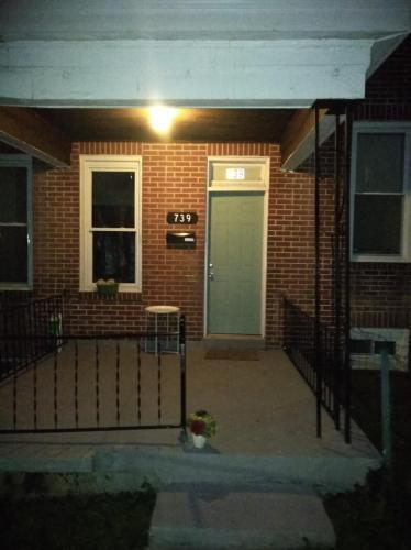 739 N Edgewood Street Photo 1