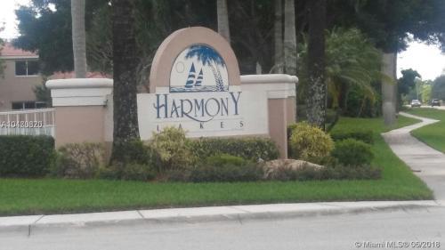 1616 W Harmony Lake Circle Photo 1