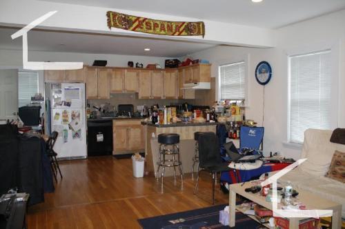 235 Everett Street Photo 1