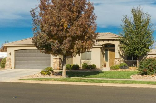 135 E Gold Bullion Way Photo 1