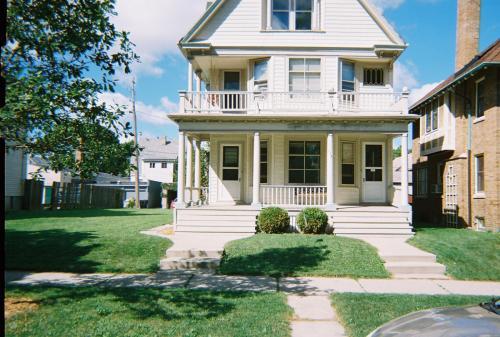 2767 N Cramer Street Photo 1