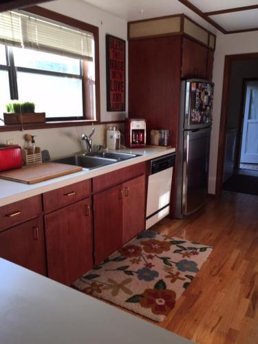 709 W Caramillo Street Photo 1
