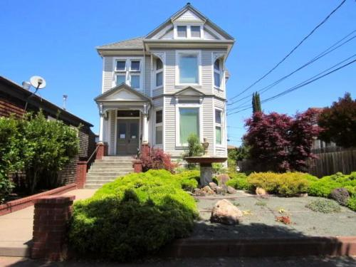 2613 Santa Clara Avenue #A Photo 1