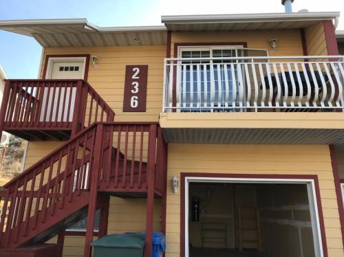 236 La Valle Strada Photo 1