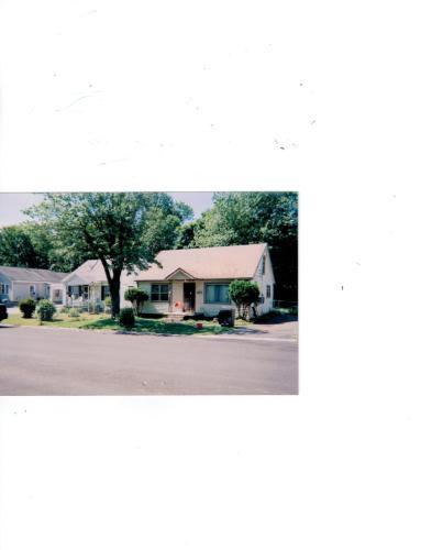 611 Richard Street Photo 1