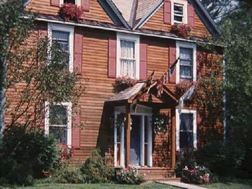 210 West Street Photo 1