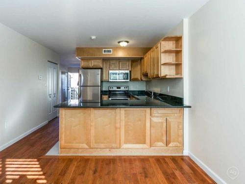 115 Edgewood Avenue Photo 1