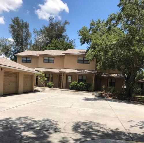 Townhomes for Rent near St Petersburg College from $1 1K to