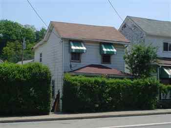 1643 E Railroad Street Photo 1