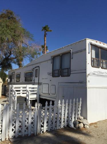 17551 Mountain View Road Photo 1