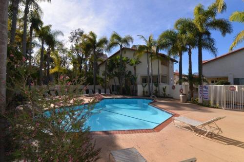 3892 La Jolla Village Drive Photo 1