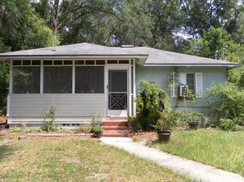 1618 NW 4th Avenue #FRONT Photo 1