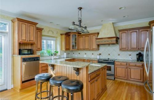 130 Montauk Court Photo 1
