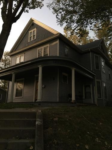 121 E Highland Avenue Photo 1