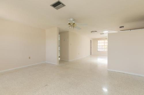 10433 Purple Lane Photo 1