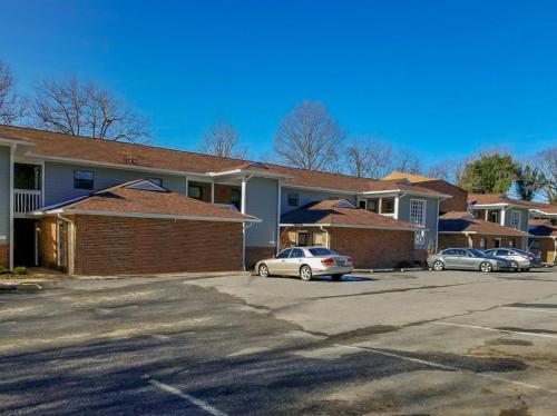 9517 Newell Hickory Grove Road Photo 1