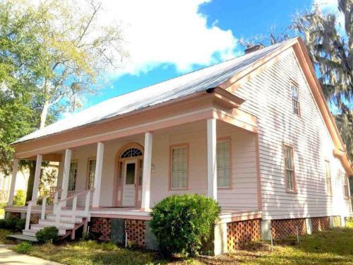380 N Jefferson Street Photo 1