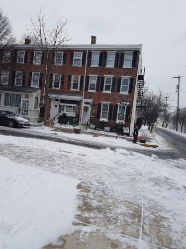 300 E Miner Street Photo 1