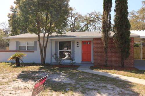 7352 Spring Hill Drive Photo 1