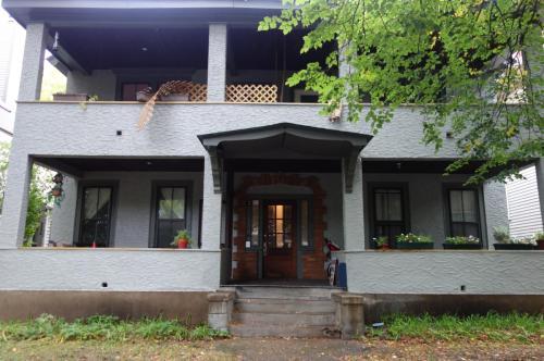 529 Laurel Avenue Photo 1