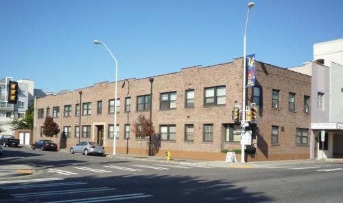 280 Morris Avenue S Photo 1