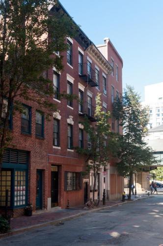 92 W Cedar Street Photo 1