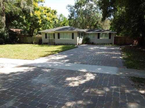 710 Magnolia Drive Photo 1