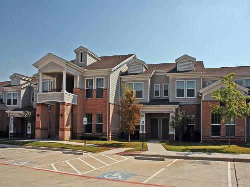 5501 Overton Ridge Boulevard Photo 1