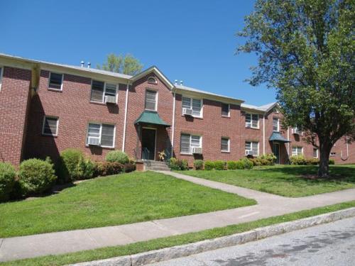 1335 Euclid Avenue NE Photo 1