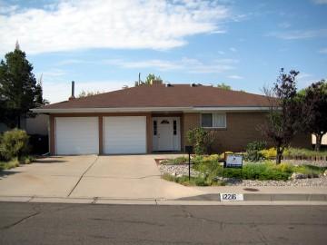 12216 Phoenix Avenue NE Photo 1