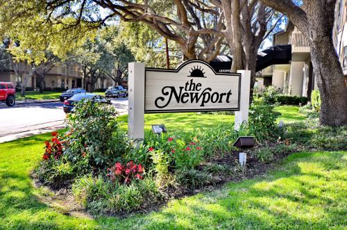 La Cima Newport Condos Photo 1